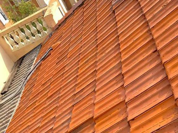 Nettoyage haute-pression toiture